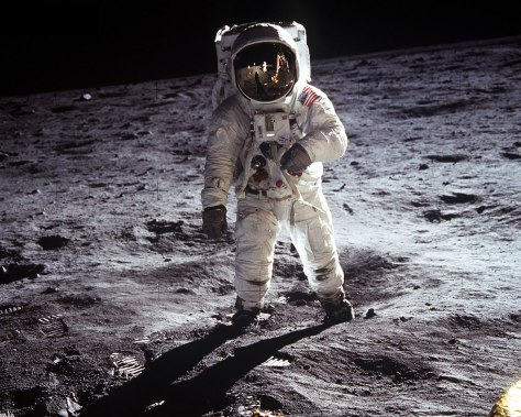 apollo-11-man-on-the-moon
