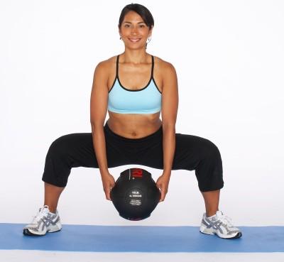 leg-exercises-tb-sumo-squat-2